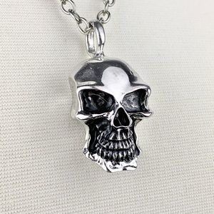 Jewelry - Gothic Biker Skull Necklace Silver Pewter Tone